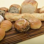 食人 - 秋田県の白神こだま酵母を使った天然酵母パンを各種販売。