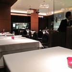 リストランテ カノビアーノ - ランチは女子同士で、ディナーはオトナの正統派デートにぴったりの場所です。