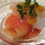 リストランテ カノビアーノ 福岡 - カノビアーノのスペシャリテ。                             海老とカラスミのカッペリーニ。
