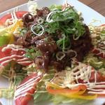 阿波水産 - 料理写真:爆発的人気!焼き肉サラダ☆お肉の旨みが美味しい国産黒毛和牛を使用☆