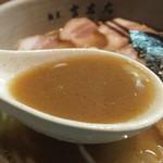 麺屋吉左右 - 豚骨・魚介の絶妙なブレンド