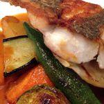 ミノビ - 鮮魚(ヒラスズキ)のポワレ