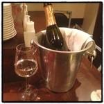 ワインバー ヌーバ - スパークリングワイン(●´ω`●)