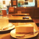 カフェオーディトリアム - 店主の手作りチーズケーキ