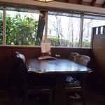 四季 - テーブル席