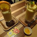 17003064 - (ノ∇≦❤)DRINK DRANKクラシックMIXスムージー&完熟マンゴーとバレンシアオレンジのスムージー:780円:果物たっぷりすぎ♬