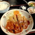 食酒場 うえち - 料理写真:牛肉のかつれつ定食 \1000