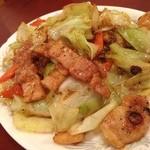 東海飯店 - 豚肉とキャベツの炒め       激ウマです。