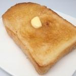 プレザン - 当店の食パンは添加物、卵は使用しておりません。