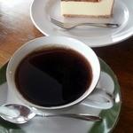 喫茶室 豆灯 - 本日の珈琲&NYチーズケーキ