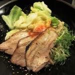 17014772 - まぜ麺並+キャベツ+チャーシュー増