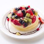 パラダイス - パラダイスパンケーキ 480円 パラダイス特製パンケーキ。フルーツを添えてビタミンもたっぷり。
