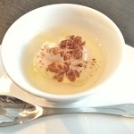 リシュール 苦楽園 - 天火焼きにしたタラ白子とポワロー葱の茶碗蒸し 熱々餡で