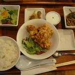 チャイニーズキッチン ヌーリー - Aランチ鶏から揚げ