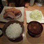 南青山 とんかつ 赤月 - 東京Xロースかつ定食+東京Xヒレかつ