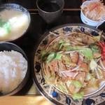 山小屋 - 野菜炒め定食750円全容