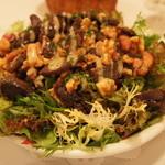 ラミティエ - 【前菜】鴨の砂肝のコンフィーのサラダ(+105円)