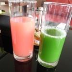 グランドハイアット東京 - リンゴ水菜青汁とグレープフルーツジュース(追記2)