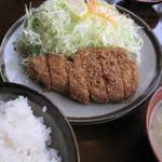 川善 - とんかつ定食 800円