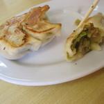 麺屋 ようすけ - キャベツが主体のザク切り野菜は、甘みが在り・・。