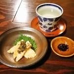 北浜 土山人 - 王禄中取り純米、そば味噌、カマンベールの味噌漬け