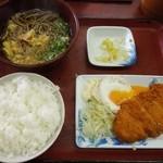 ヤマトモチスエヒロ食堂 - サービスランチのとんかつ