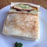 ボンポアンカルダン - ランチセットの日替わりサンドイッチ