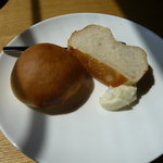 1704809 - パスタに付いてくるパン