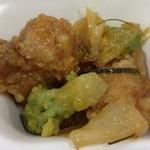 アジアンランチ - 2回目2013年1月29日カンボジア 鶏唐揚げとロマネスコのカラメルソースがけ