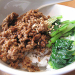 17050370 - ホロホロした食感の四川風肉味噌ご飯。