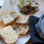17051179 - パン&サラダ&ドリンクビュッフェ?