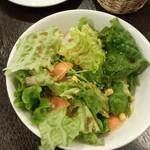わいん家 - 2)セットのサラダ