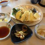 17055823 - 天ぷら、ワカサギ南蛮、お通し(野沢菜のカブ?)