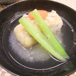 17061609 - 穴子を海老芋で巻いてある。お味は濃いめ