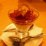 ボーノミイナ - パンナコッタ 紅茶のジュレとリンゴチップス
