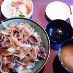 ぶう - 【2回目】 ワンコインの豚焼き丼 もちろん500円♪