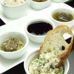 K's Bar - ディップ:スコットランド発祥の自家製パン、バノックに選べる3種のディップを付けてお召し上がり下さい♪