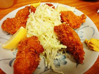 豊田屋 三号店 - 牡蠣フライ(5個)330円