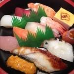 廻鮮寿し たいの鯛 - 昼のランチ 松握り¥1250