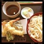 さぬき・むさし野うどん水織 - 今週二度目の来店、安くて美味しいです。天ぷらうどん¥730