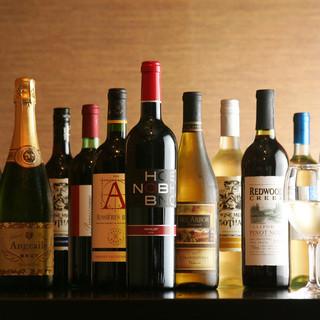 地鶏に合うワイン、多数取り揃えております。
