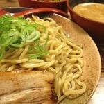 志堂 - 魚介の辛つけ麺700円