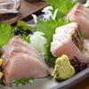 元祖居酒屋 がってん八兵衛 - 料理写真:鰆の刺身とタタキがセットになった「鰆の食べ比べ」