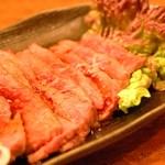 もつ鍋 山本屋 - 常連さんの定番 牛肉タタキ