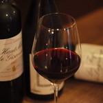 バー アトリエ - こだわりのワインも充実 食事との相性も◎