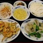 台湾料理天龍 - 日替わりランチ750円イカの胡椒炒め・天ぷら