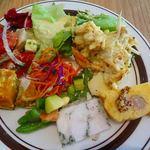 ユーロキッチン シエル - 取り皿に取った料理