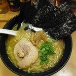 豚骨醤油らーめん 琢丸 - 琢丸ラーメン(680円)