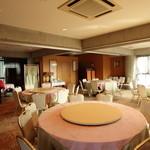華空間 - 落ち着いた空間の2階は、着席で70名様までのご宴会が可能