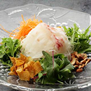 新鮮な海の幸と四季折々の野菜をメインとした広東中国料理のお店です。